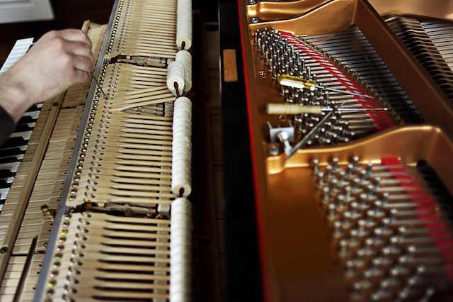 Dịch vụ sửa đàn piano cơ trọn gói, chuyên nghiệp